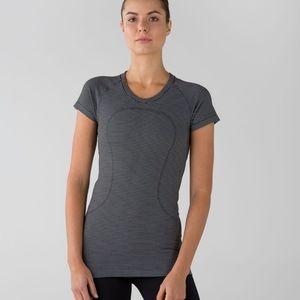 Lululemon swiftly tech short sleeves